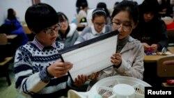 北京學生自製空氣淨化器。