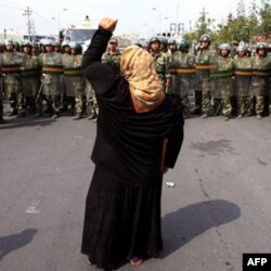 Uyg'urlar Xitoy hukumatini zulmda ayblaydi