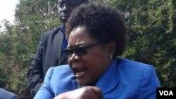 Joice Mujuru, ancienne vice-présidente du Zimbabwe passée à l'opposition lors d'une réunion avec d'autres opposants à Harare, 18 juillet 2017.