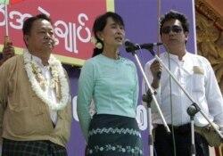 ေရြးေကာက္ပြဲႏိုင္ၿပီး တႏွစ္အၾကာ NLD လုပ္ရပ္သံုးသပ္ခ်က္
