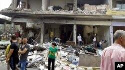 A solo horas después de una relativa calma en Alepo dos explosiones en una ciudad al norte de la ciudad más golpeada de Siria dejaron varios muertos y heridos.