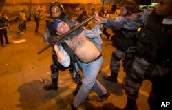 Protestos no Brasil contra o Mundial