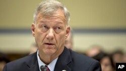 El teniente coronel Andrew Wood prestó testimonio en una audiencia relacionada con la muerte del embajador Chris Stevens.