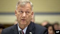 11일 미국 의회에서 리비아 주재 미 영사관 피습 사건에 관해 증언하는 앤드류 우드 중령.