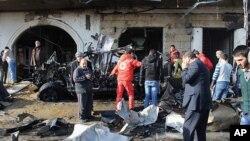 16일 레바논 북동부 헤르멜에서 발생한 차량폭탄테러 현장.