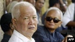Các luật sư đề nghị tòa cho chuyển ông Ieng Sary (hình trên) về giam giữ tại gia