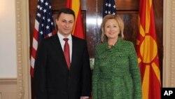 Груевски по средбите со Бајден и Клинтон: фокусирани на решение за името