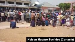 Morador envia fotos que ilustram as dificuldades que os cidadãos do município de Luena enfrentam