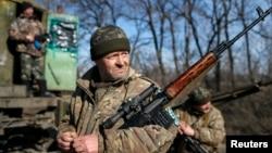 Українські військовослужбовці неподалік Артемівська