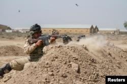 美军教官培训伊拉克士兵