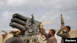 Lực lượng an ninh Iraq, các dân quân Shia và chiến binh người Kurd đang tham gia chiến dịch chống Nhà nước Hồi giáo với sự yểm trợ của không lực Iraq.