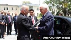 رئیس جمهور آلمان اطمینان داد که در خصوص مدیریت و استفاده از معادن لیتیم افغانستان که چگونه کمپنی های موترسازی آلمان در این عرصه همکاری خواهند توانست، غور خواهد کرد