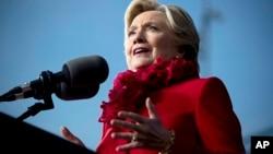 希拉里克林頓10月31日在一次集會上