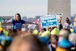 «رژه برای زندگی»، تجمع مخالفان سقط جنین در شهر واشنگتن، پایتخت آمریکا.
