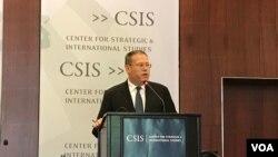 美國駐港澳總領事唐偉康2017年6月13日在華盛頓智庫戰略與國際研究中心就香港回歸20週年發表主題演講。(美國之音林楓拍攝)