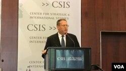 美國駐港澳總領事唐偉康2017年6月13日在華盛頓智庫戰略與國際研究中心就香港回歸20周年發表主題演講。(美國之音林楓拍攝)