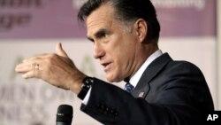 """Romney se disculpó, reconociendo que en su juventud hizo """"algunas cosas estúpidas""""."""