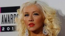 Top Ten Americano: Christina Aguilera criticada por cantar Whitney Houston nos AMAs