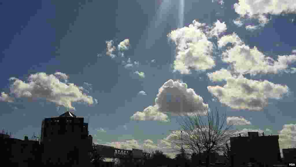 آسمان تهران در یک روز پاک عکس: صوفیا مجلسی (ارسالی شما)