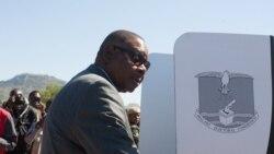 Peter Mutharika prête serment