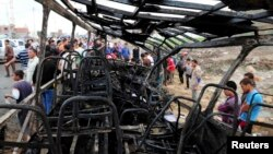 5일 이집트 다마하르에서 학교 버스에 폭탄 테러가 발생했다.