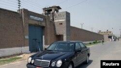 Penjara Kot Lakhpat di Lahore (Foto: dok). Sarabjit Singh, mata-mata India yang dijatuhi hukuman mati di Pakistan dilaporakan tewas akibat luka di kepalanya akibat serangan dua napi di penjara ini.