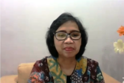 Lenny N Rosalin pejabat Kementerian Pemberdayaan Perempuan dan Perlindungan Anak. (Foto: VOA/Nurhadi Sucahyo)