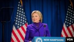 民主党总统参选人希拉里·克林顿出席新罕布什尔州的一次大型筹款活动。(美国之音记者方正拍摄)