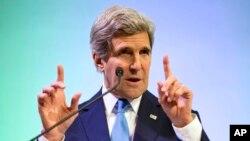 Američki državni sekretar Džon Keri tokom posete Indoneziji upozorio na razorne efekte globalnog zagrevanja