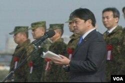 日本防衛大臣小野寺五典向演習軍人發表講話(視頻截圖)