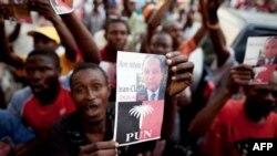 Haiti'nin Devrik Lideri Özür Diledi