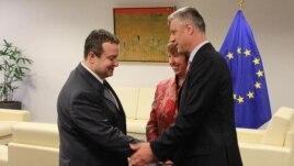 Thaçi e Daçiç zotohen për zbatimin e marrëveshjes