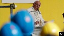 El papa se refirió al ataque del viernes contra un grupo de cristianos que viajaban hacia un monasterio al sur de El Cairo mató a 29 personas, según el conteo más reciente el sábado.
