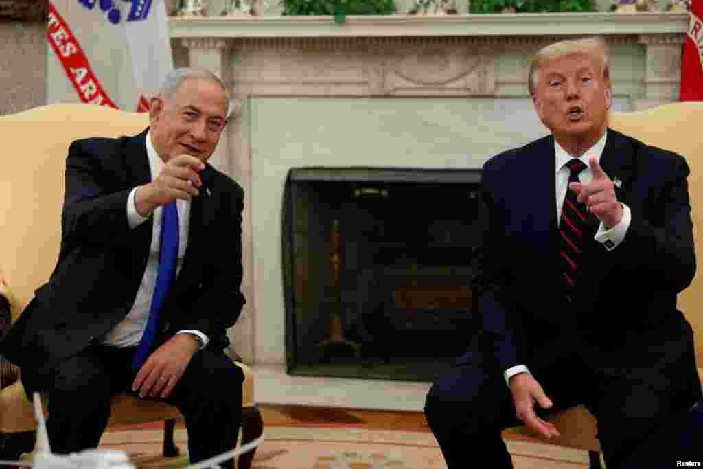 معاہدوں سے قبل اسرائیلی وزیر اعظم نے صدر ٹرمپ سے ملاقات بھی کی۔ امارات کی جانب سے اسرائیل کو تسلیم کرنے کے اعلان کے بعد صدر ٹرمپ نے کہا تھا کہ دیگر عرب ممالک کو بھی امارات کی پیروی کرنی چاہیے۔