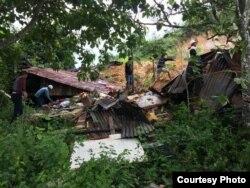 Tim SAR berupaya melakukan pencarian korban longsor di Toba Samosir, Sumatera Utara, Jumat, 13 Desember 2018. (Foto courtesy : BPBD Sumatera Utara)