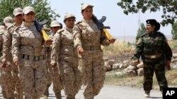 Kurd peshmerga jangchilari