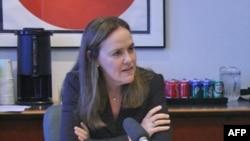 Thứ trưởng Quốc phòng đặc trách về chính sách của Hoa Kỳ Michelle Flournoy nói chính quyền Obama tin rằng điều quan trọng là tiếp tục công cuộc hợp tác của Mỹ với Pakistan trong cuộc chiến chống khủng bố