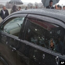 شہباز بھٹی کی سرکاری گاڑی پر گولیوں کے نشان