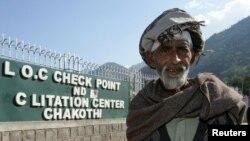 Trạm kiểm soát Chakothi gần đường biên giới có tranh chấp ở Kashmir, thường được gọi là Lằn ranh Kiểm soát.