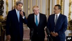 2016年10月16日,美国国务卿克里、英国外交大臣约翰逊、联合国也门问题特使艾哈迈德在伦敦发表也门问题联合声明。