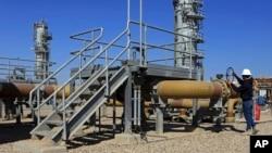 صادرات نفت عراق از بصره صورت می گیرد.