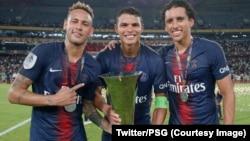 Neymar da abokan wasan shi na kwallon kafa