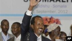 2012년 9월 10일 의회에 의해 새 대통령으로 선출 된 후 기자회견을하는 소말리아의 하산 셰이크 모하무드 신임 대통령