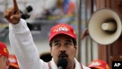 Maduro asegura que desea conocer cuál es la visión de país que tienen los nuevo dueños de Globovisión.