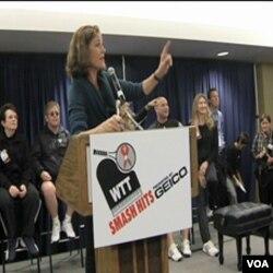 Na aukciji je prikupljeno 100 hiljada dolara lokalnim organizacijama za borbu protiv AIDS-a, i isto toiko AIDS Fondaciji Etona Johna