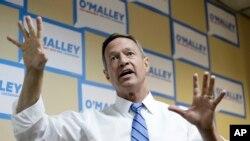 El exgobernador de Maryland, Martin O'Malley, habla a sus seguidores en Des Moines, Iowa.