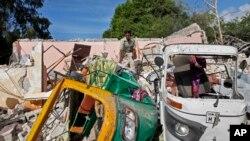 Bomu lililoripuka karibu na mgahawa huko Mogadishu, Somalia, kufuatia shambulizi la al-Shabab