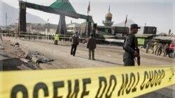 محل یکی از انفجارهای انتحاری. کابل، افغانستان ۶ دسامبر ۲۰۱۱