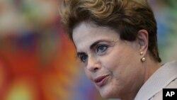 Shugabar Brazil Dilma Rousseff da majalisar dattawan kasar ke kokarin tsigeta daga mukaminta