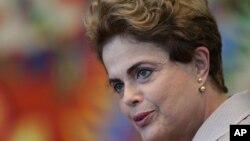 Dilma Rousseff, suspendue de ses fonctions de présidente du Brésil le 12 mai 2016, fait l'objet d'une procédure de destitution pour maquillage des comptes publics.